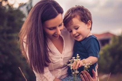 Il est important d'enseigner les bonnes manières et des valeurs à vos enfants.