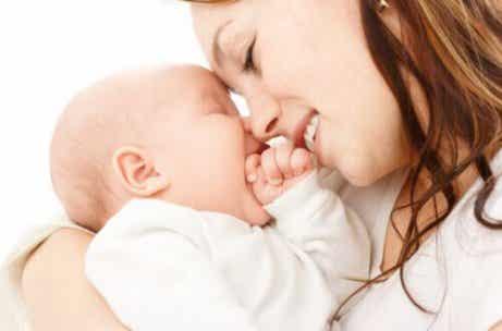 8 conseils pour établir un lien avec votre bébé