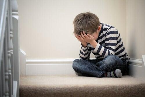 Les causes de l'anxiété infantile sont très diverses.