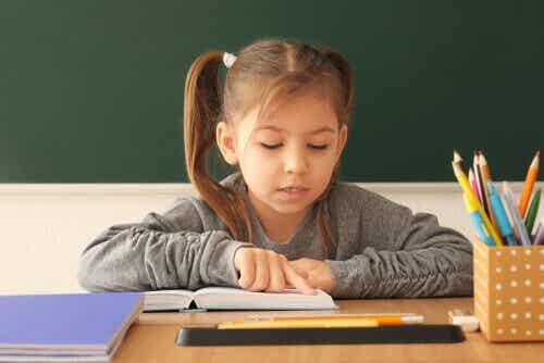 7 exercices pour apprendre à lire