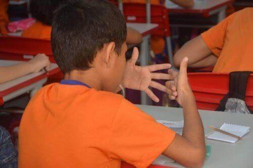 Apprendre à faire les multiplications peut résulter complexe pour certains enfants