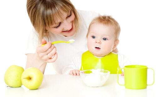 Des recettes sucrées pour les bébés de 9 à 12 mois