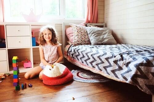 Comment apprendre à un enfant à ranger les choses de manière simple ?