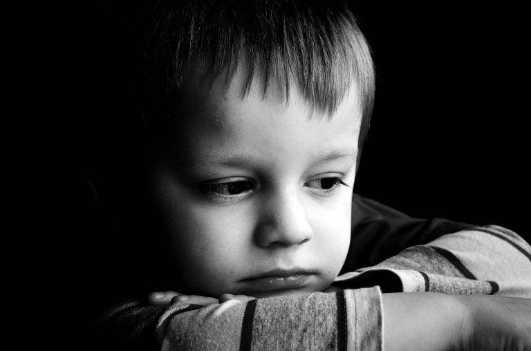 Les caractéristiques des enfants souffrant d'attachement désordonné