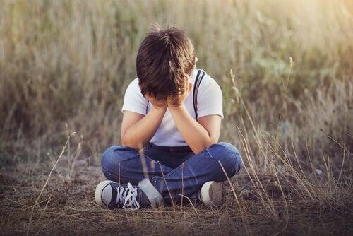 4 signes de carence affective chez les enfants