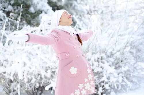 Accoucher en hiver : avantages et inconvénients