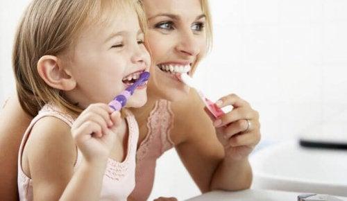 Comment prendre soin des dents des petits ?
