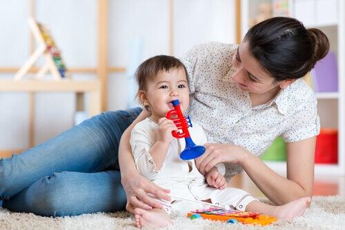 3 façons de divertir le bébé pendant la journée