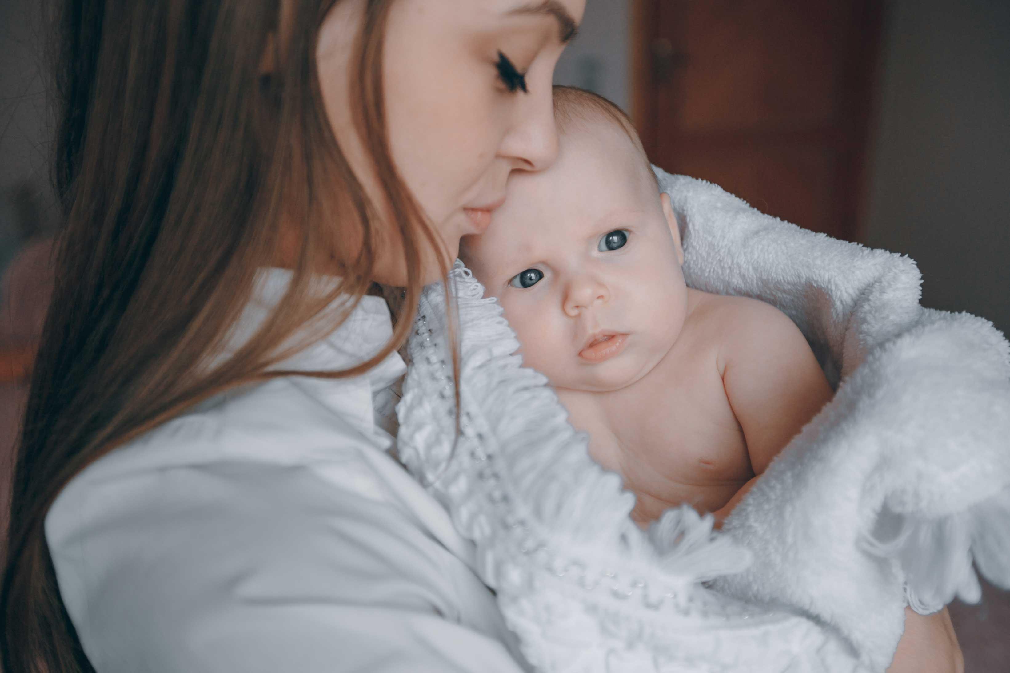 Les pères ont moins de responsabilités que les mères concernant leurs bébés