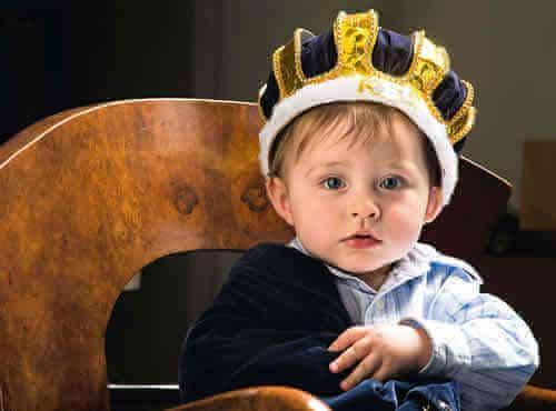 Trop surestimer peut rendre les enfants narcissiques