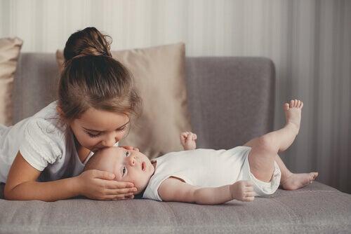 15 pr noms italiens pour les filles et leur signification tre parents. Black Bedroom Furniture Sets. Home Design Ideas