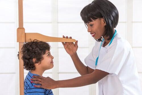 Le déficit en hormone de croissance chez les enfants