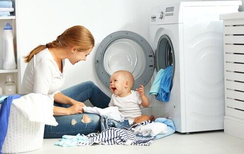 7 conseils pour laver les vêtements du bébé