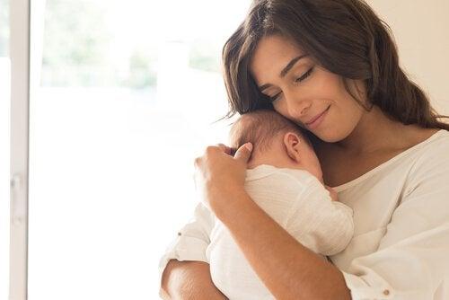 Le cerveau de la mère subit des changements durant la grossesse et jusqu'à deux ans après l'accouchement