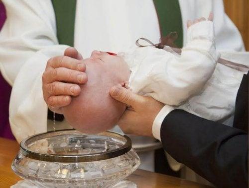 Le parrain de baptême doit s'engager pour une durée indéterminée dans la vie de son filleul