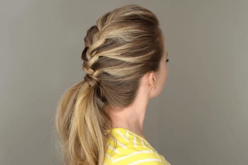 8 coiffures simples pour les mères qui n'ont pas le temps