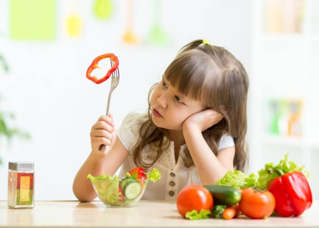 Un enfant qui ne veut pas manger ne doit jamais être forcé