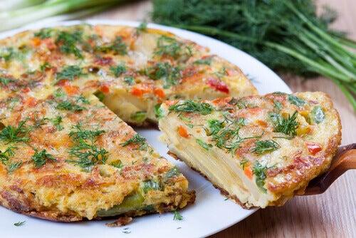 Les omelettes pour les enfants sont nourrissantes et fournissent l'énergie nécessaire à leur croissance