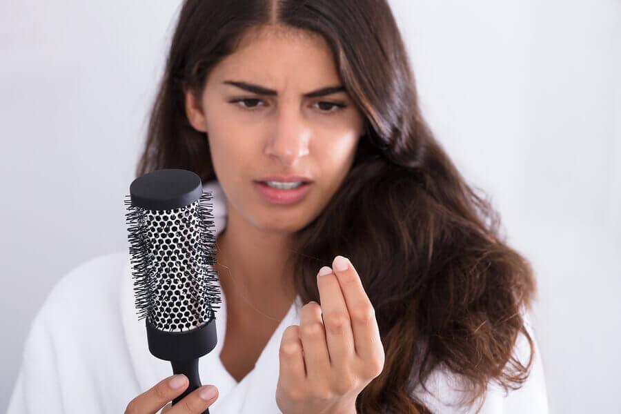 Que faire contre la perte de cheveux après l'accouchement ?