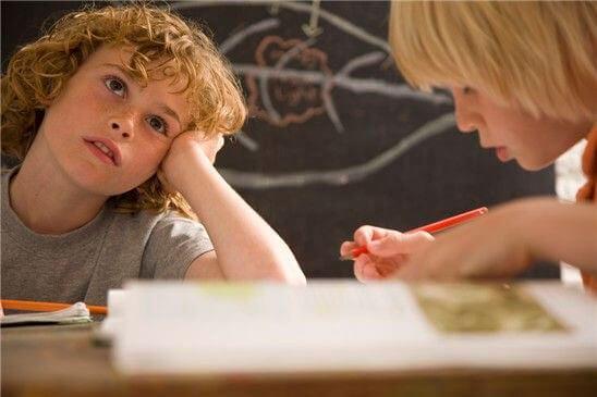 La concentration des enfants peut être améliorée au quotidien grâce à des actions faciles à mettre en pratique