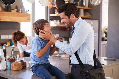 Pourquoi les parents devraient-ils dire au revoir avant de partir ?