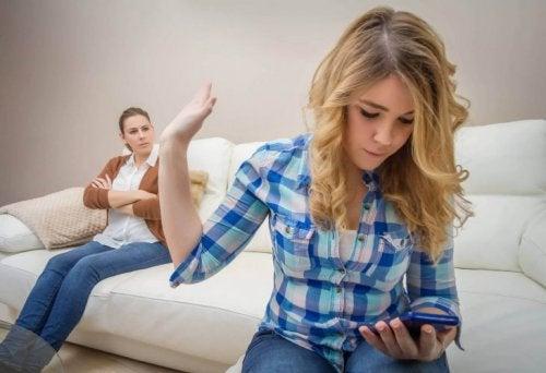 6 questions à se poser avant d'acheter un téléphone portable à votre enfant