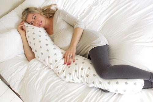 Coussin de grossesse : bienfaits et utilisation
