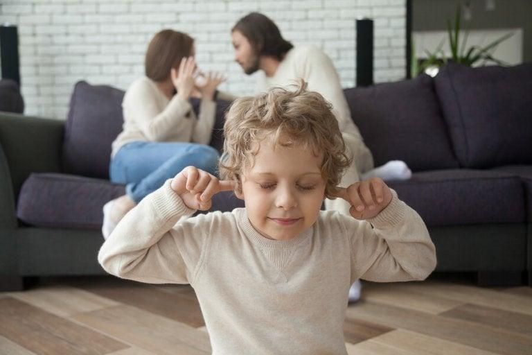Le divorce des parents à l'enfance et à l'adolescence