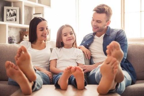 4 stratégies pour apprendre à vos enfants à s'aimer plus
