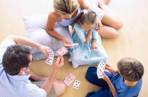 Jouer avec votre enfant le rendra plus malin