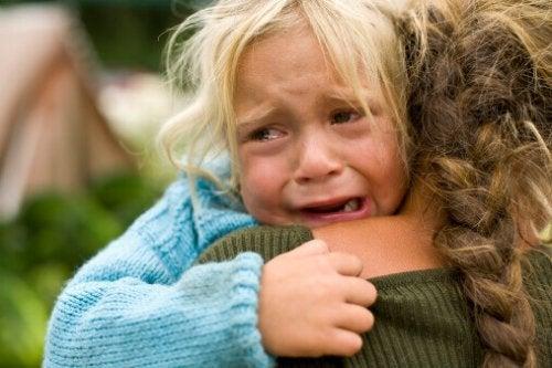 Les enfants ont besoin de nous pour se connecter avec leurs émotions