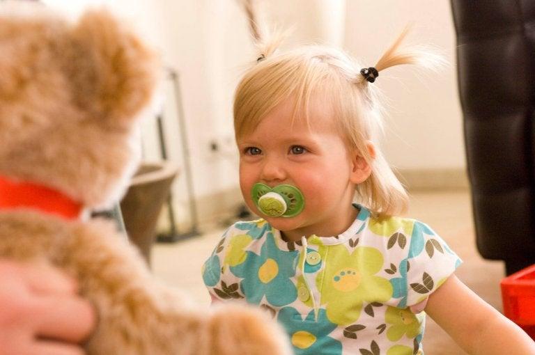 Les stimuli positifs activent la mémoire de votre bébé
