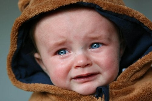 un enfant qui pleure et a besoin de nous