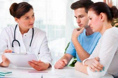 consultation d'un spécialiste pour une insuffisance cervicale