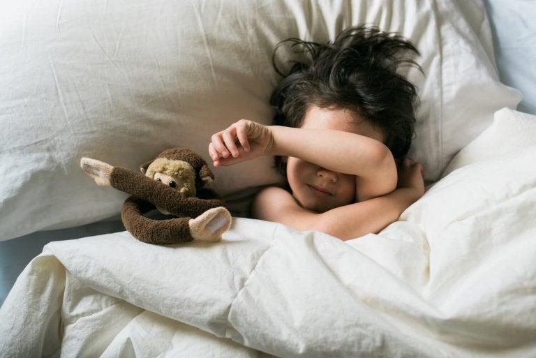 Mon enfant ne dort pas bien. A-t-il des terreurs nocturnes ?