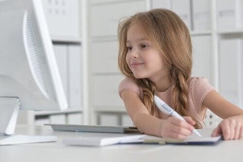 """Comment enseigner à votre enfant à aimer l""""écriture ?"""