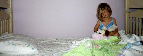 Aidez votre enfant à ne plus faire pipi au lit