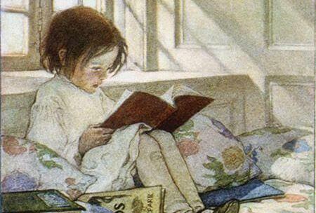 jeune fille lisant des histoires pour dormir