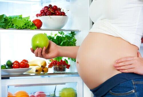 Certains aliments peuvent-ils altérer les mouvements du fœtus ?