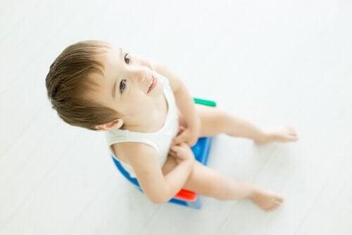 Arrêter les couches est un apprentissage qui dépend de la maturité de l'enfant.