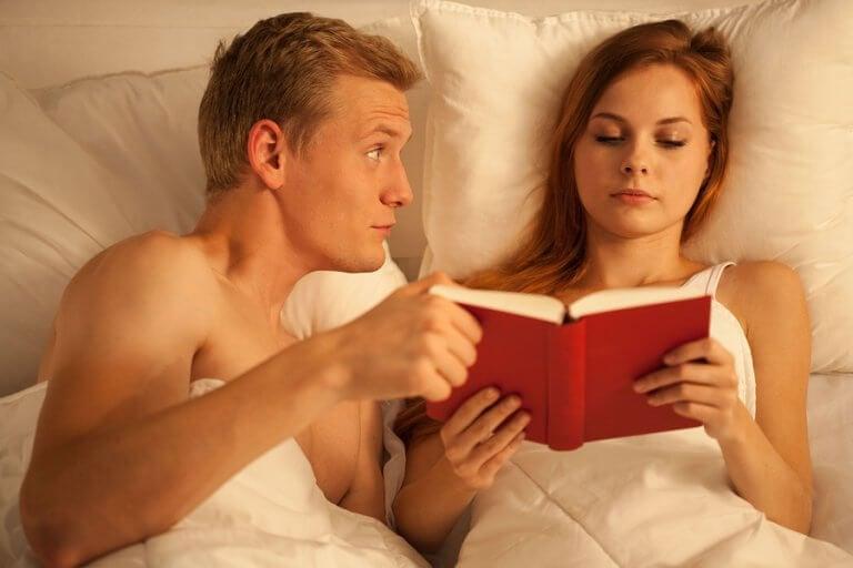 La sexualité pendant l'allaitement doit être discutée au sein du couple afin de respecter les désirs de chacun.