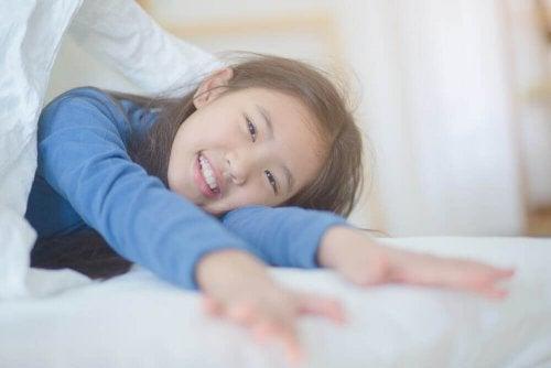 Comment faire pour que mon enfant se réveille de bonne