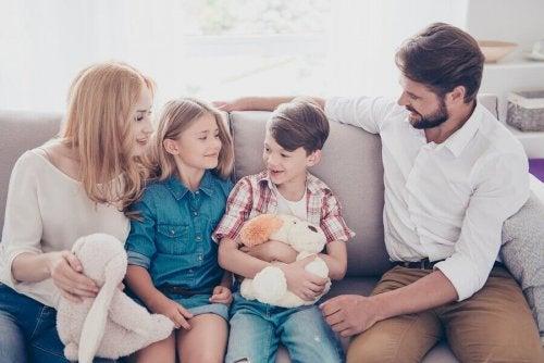 un enfant doit être écouté par sa famille