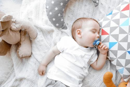 Quatre fait curieux sur la respiration des bébés