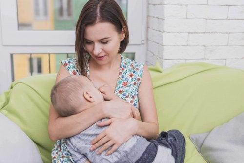 Vêtements confortables pour l'allaitement