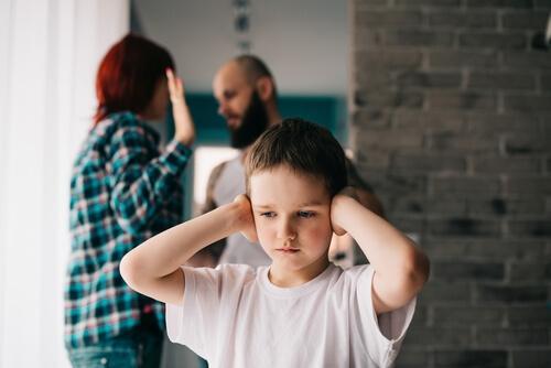 L'infidélité marque les enfants