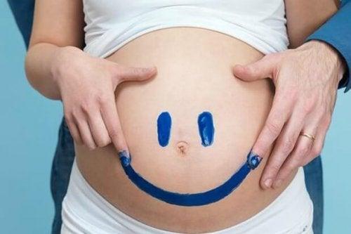 """8 signes avant-coureurs de l""""accouchement qu""""il faut connaître"""