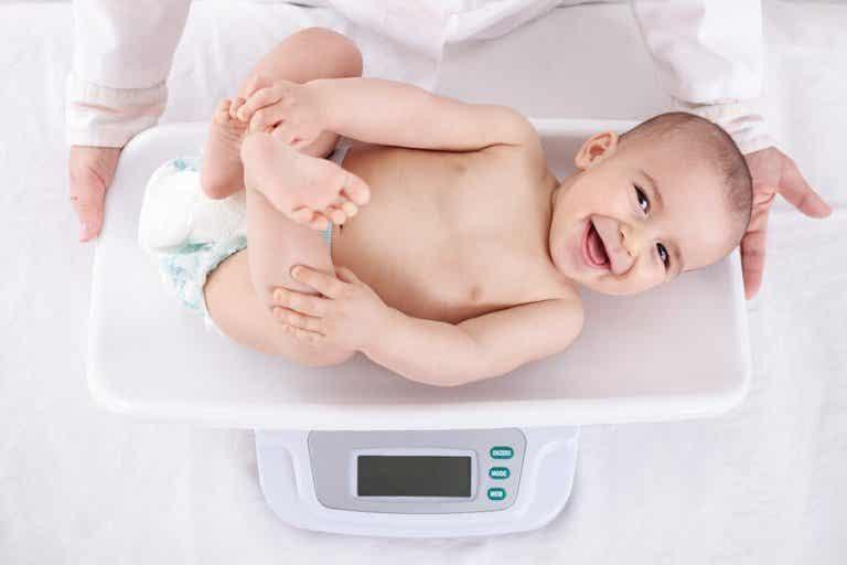 La prise de poids chez les bébés pendant leur première année