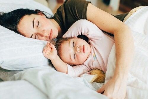 ne pas faire dormir l'enfant dans notre lit