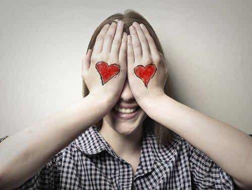 Le premier amour à l'adolescence : clés pour agir